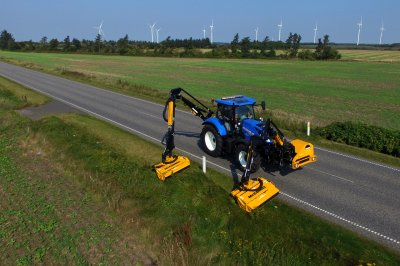 McConnel unveils ultimate mowing machine with  launch of new combination Power Arm unit